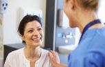 dottore paziente 153x97 - Riduzione degli agenti patogeni / inattivazione dei prodotti per il trattamento dei disturbi emorragici: quali sono i processi e cosa dovremmo dire ai pazienti?